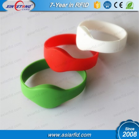 13.56MHZ Waterproof Silicone RFID Wristband Factory